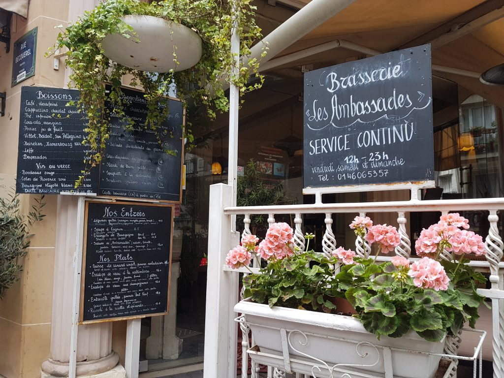 Restaurant terrasse Butte Montmartre Les Ambassades