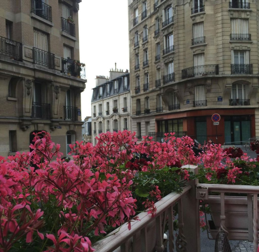 Restaurant Montmartre terrasse fleurie