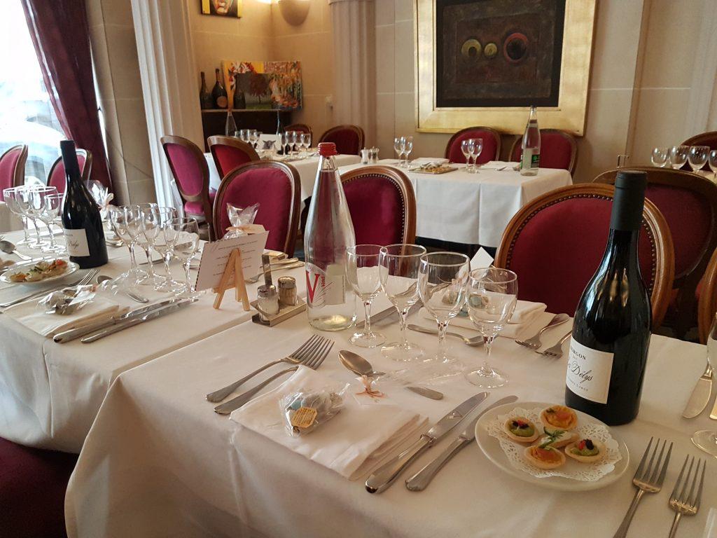 Restaurant Butte Montmartre traditionnel avec bar terrasse - photo blog les Ambassades