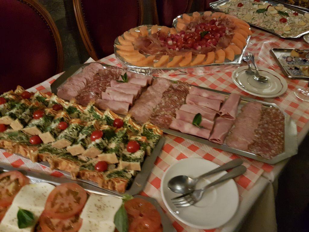 En déjeuner et dîner de groupe - Restaurant groupe Butte Montmartre