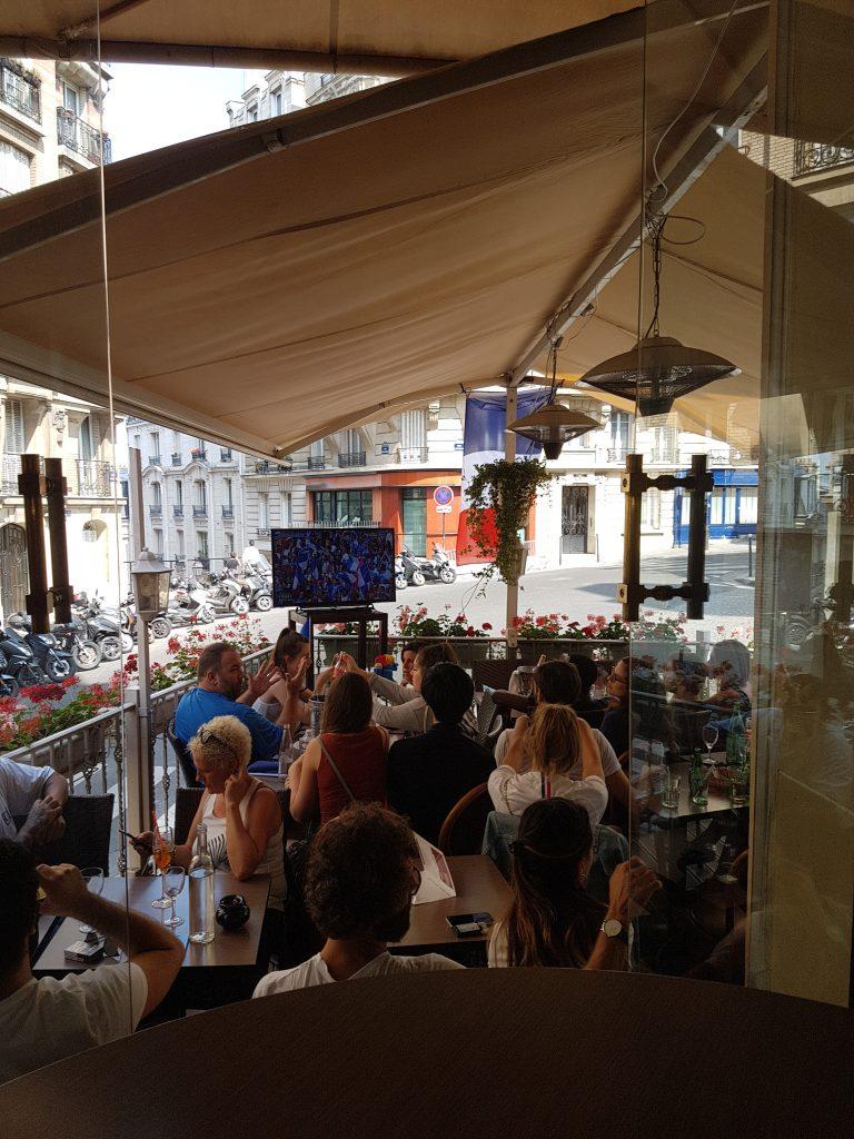 Restaurant terrasse Montmartre - coupe du monde football
