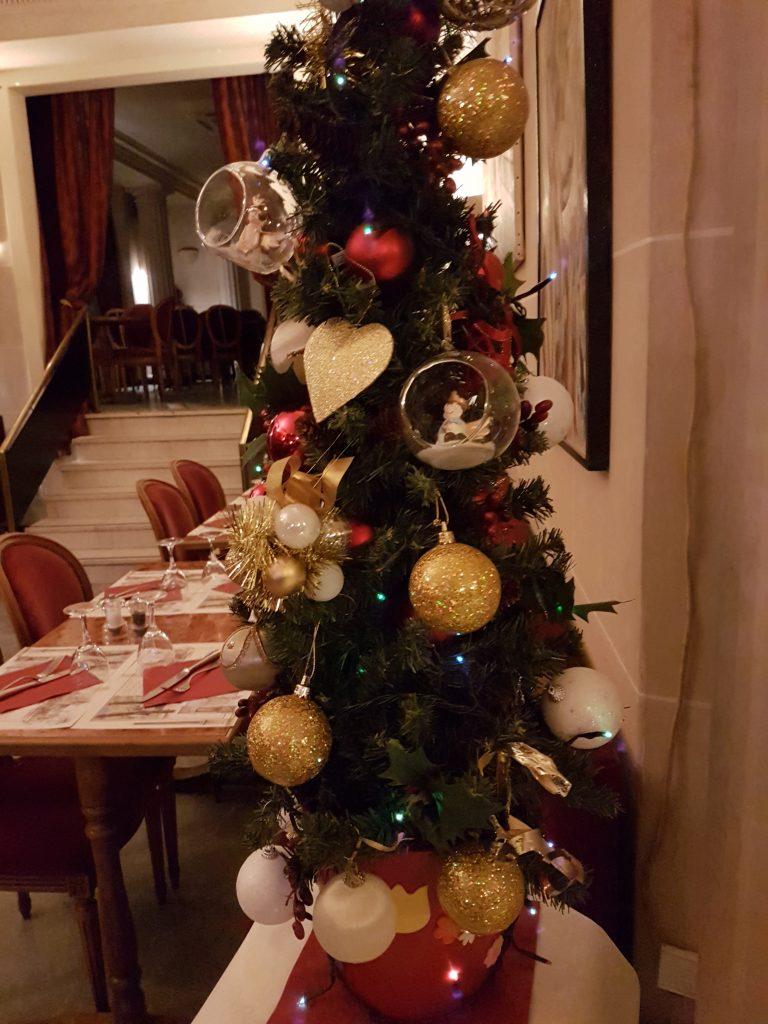 Sapin Noël restaurant Montmartre