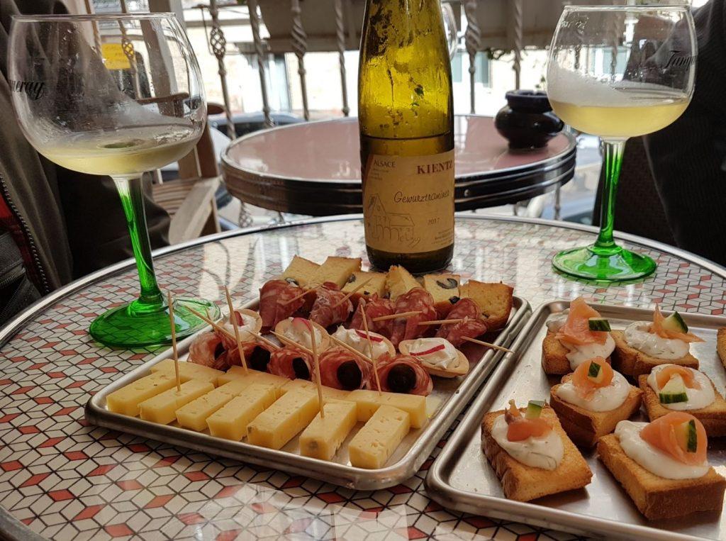 Restaurant bar terrasse Paris Butte Montmartre - Apéritif et amuse-bouche