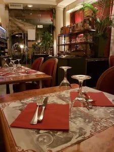 Restaurant Montmartre Paris - Table pour amoureux dîner Saint-Valentin